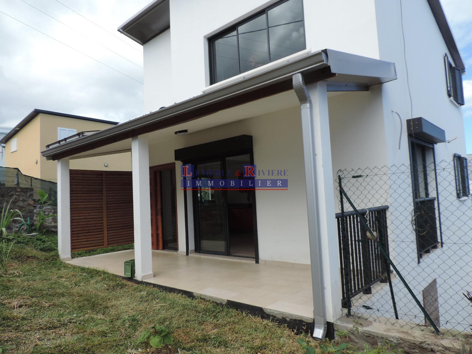 annonce location maison la r union 97400 93 m 870 992738018138. Black Bedroom Furniture Sets. Home Design Ideas
